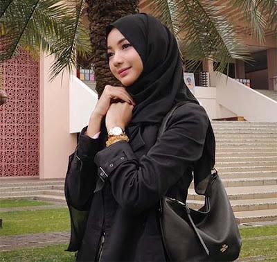 Glenca Chysara Pakai Hijab