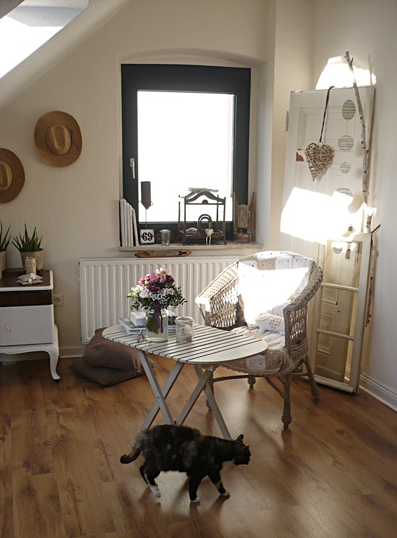 Frau woonwinkel ein blick in mein neues wohnzimmer for Mein wohnzimmer