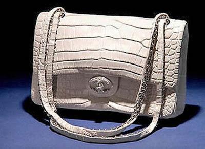 http://1.bp.blogspot.com/-PqQgqLoHQDk/UMBBDBUgqOI/AAAAAAAAARI/gXPP1MI9fZU/s1600/chanel_diamond_forever_handbag.jpg