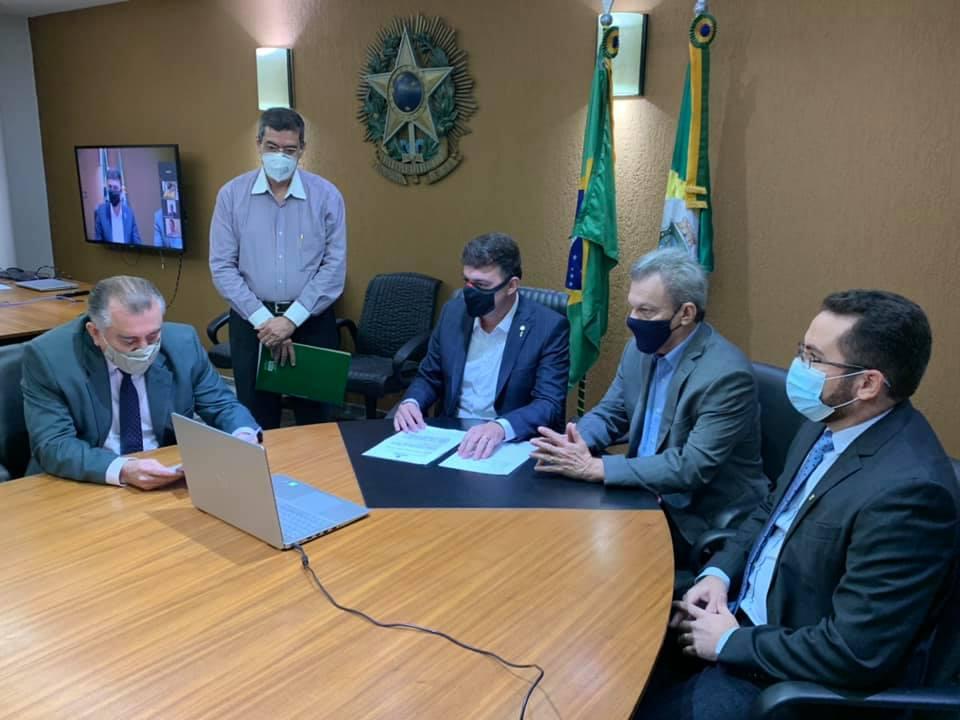 Fernando Santana assume interinamente a presidência da Assembleia Legislativa do Ceará