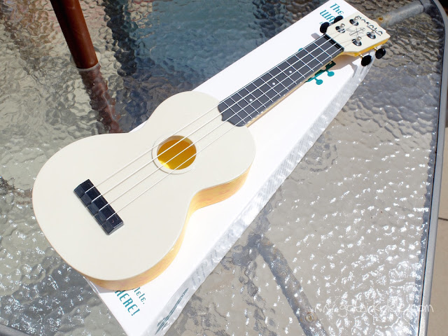 Makala Waterman orange ukulele