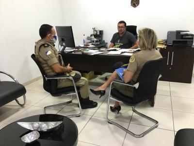Dando continuidade à implantação do sistema de videomonitoramento em Araguatins Polícia Militar protocola solicitações junto a empresários da região