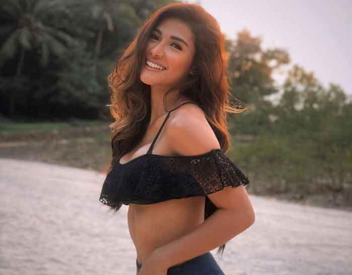 sanya-lopez-shares-new-sexy-photo