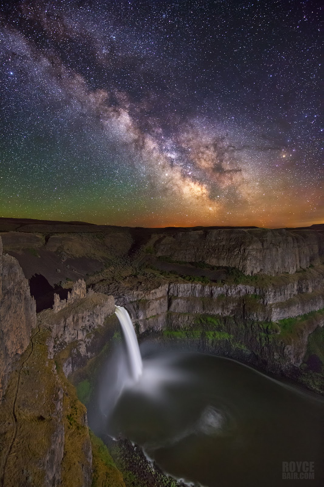 Into The Night Photography: Milky Way Photo Theft