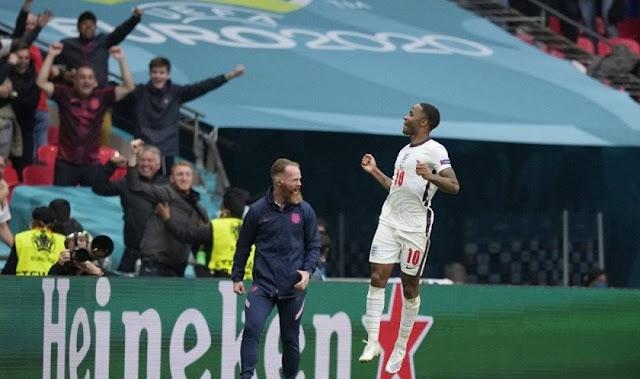 Alan Shearer Puji Keberanian Gareth Southgate terus berjudi memasang Raheem Sterling dalam semua pertandingan Euro 2020