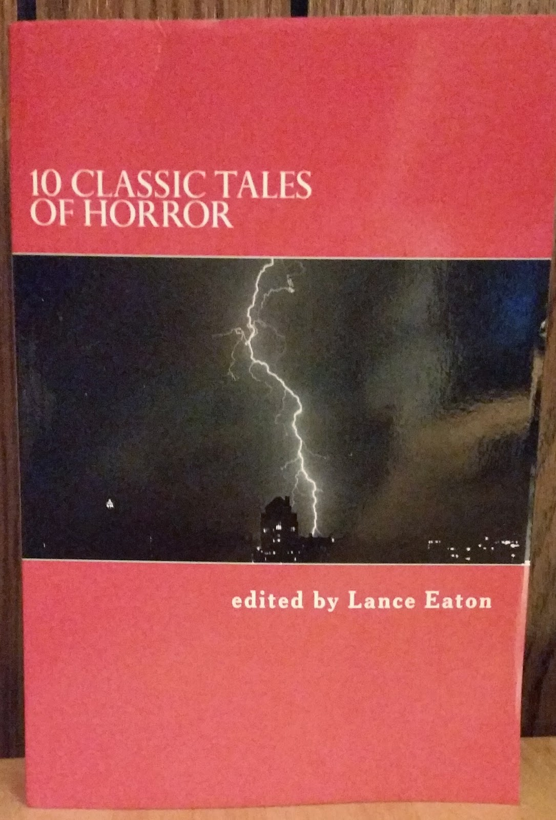 Book cover to 10 Classic Tales of Horror, edited by Lance Eaton