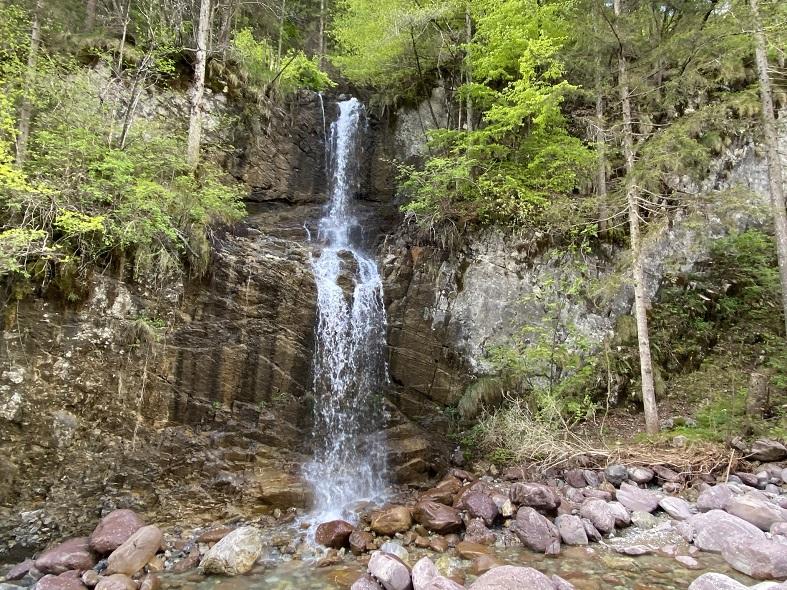 La cascata al laghetto di Valcanale
