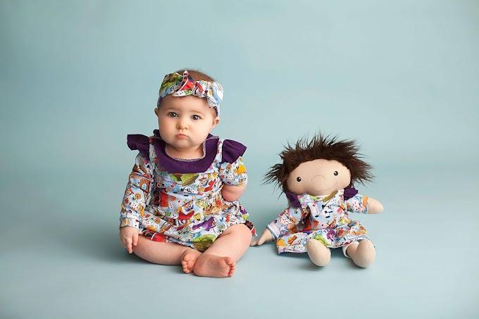 'A Doll Like Me': Muñecos de peluche únicos para niños con discapacidad o rasgos únicos