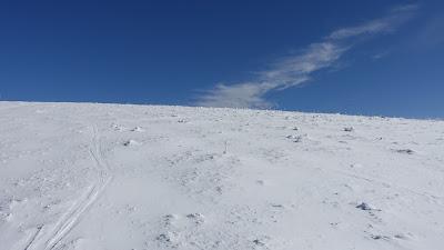Verwehter Schnee auf der Röti-Wiese