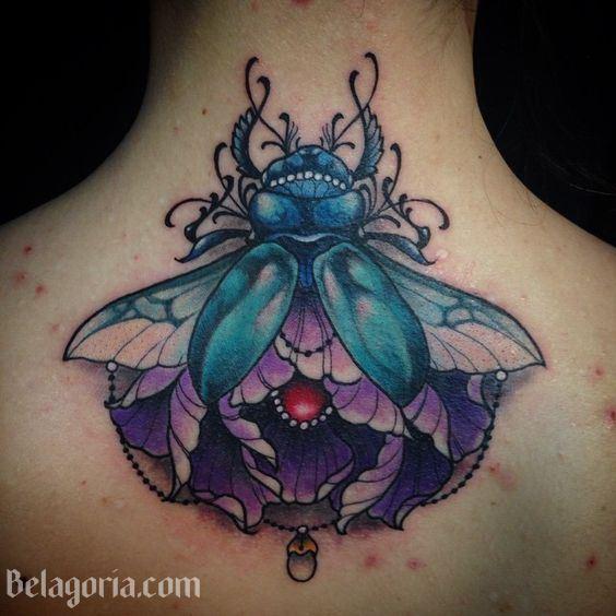 tatuajes de escarabajos para mujeres