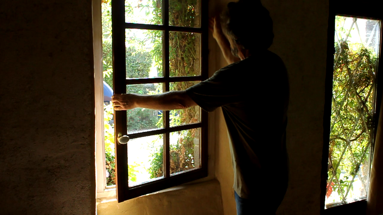 Fitting recuperated double-glazed window