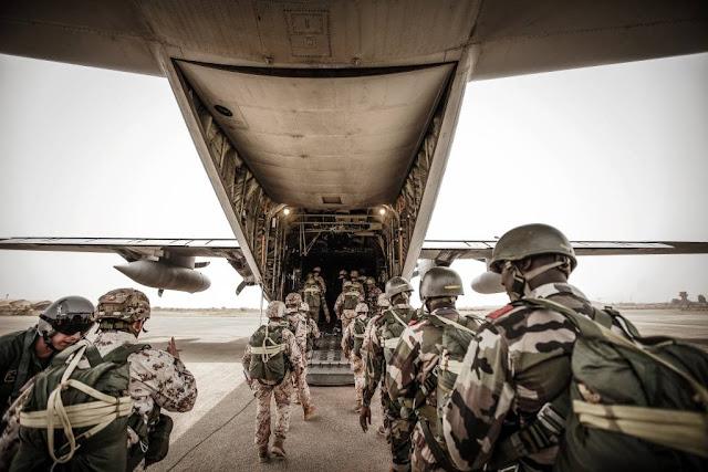 Mission Niger esercitazione aviolancio Folgore