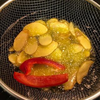 pollo-con-verduras-patatas-con-piel