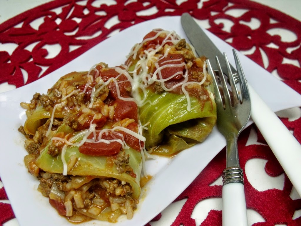 http://www.cindysrecipesandwritings.com/pigs-in-a-blanket-cabbage-rolls-sundaysupper/