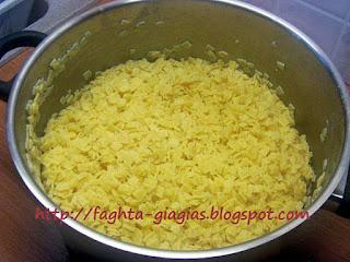 Χυλοπίτες (τουτουμάκια ή μανέστρα) με σάλτσα ντομάτας - από «Τα φαγητά της γιαγιάς»