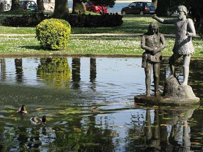 Escultura de São João Batista no Jardim do Passeio Alegre