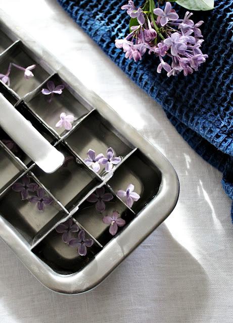 Lag isbiter med syrinblomster - her har jeg brukt lilla syriner