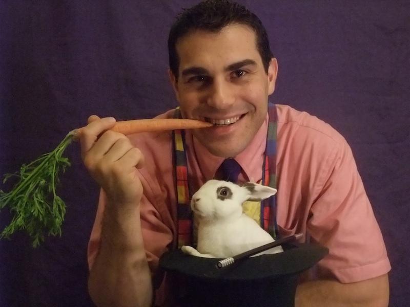 Magician Dave The Bronx, NY - Card Magic Tricks, Comedy Magic, General Magic, Stage Magic