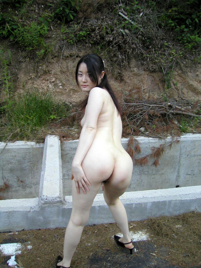 Street naked korea 2