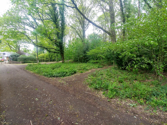 Chipperfield footpath 3 is the first path on the right before the houses