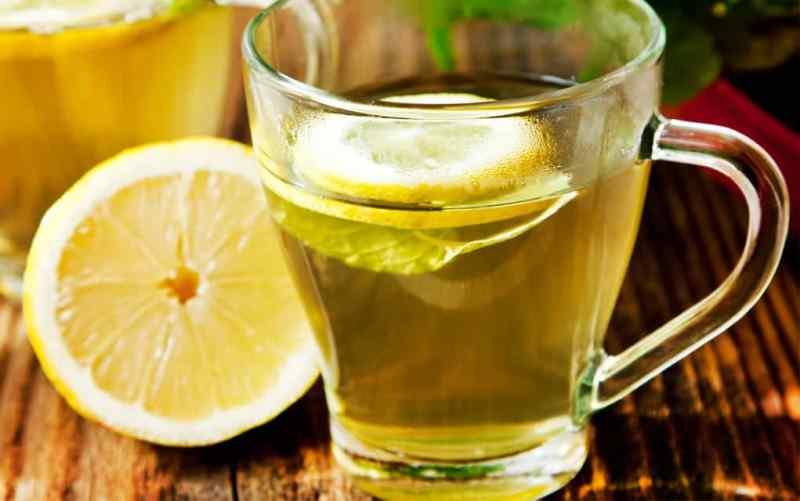 Selain Buat Perut Bebas Buncit, 14 Mamfaat Minum Air Lemon Hangat Tiap Pagi