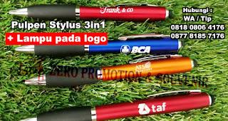 Pulpen Plastik Stylus 3-in-1, Pulpen Promosi 3 in 1 ada stylus, Pulpen Plastik Stylus 3-in-1 Lima Warna, Pulpen LED, Souvenir Ballpoint Perusahaan Pulpen / Pena Promosi 3 in 1