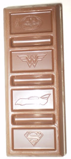 Actual candy bar from Hershey's DC Super Hero Bar 12 Snack Size Batman and Wonder Woman Editions