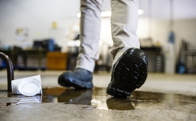 how to prove negligence slip and fall accident lawsuit