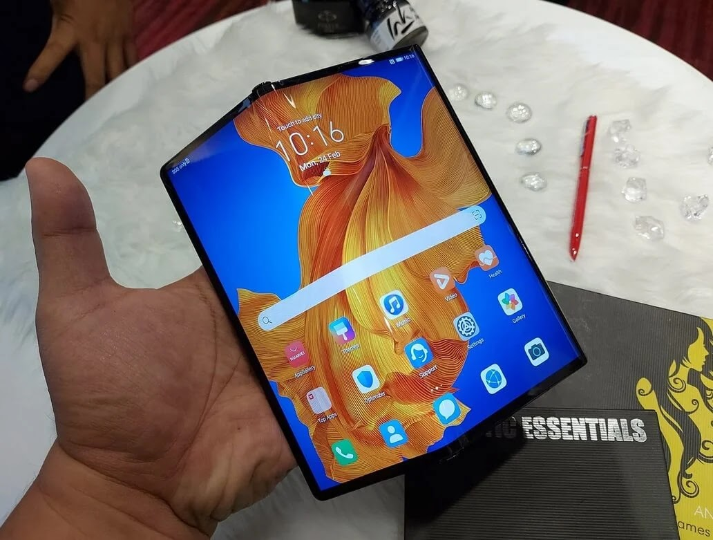 Huawei Mate Xs 5G with Foldable Display and Quad Leica Cameras Now Available for Only Php139,999