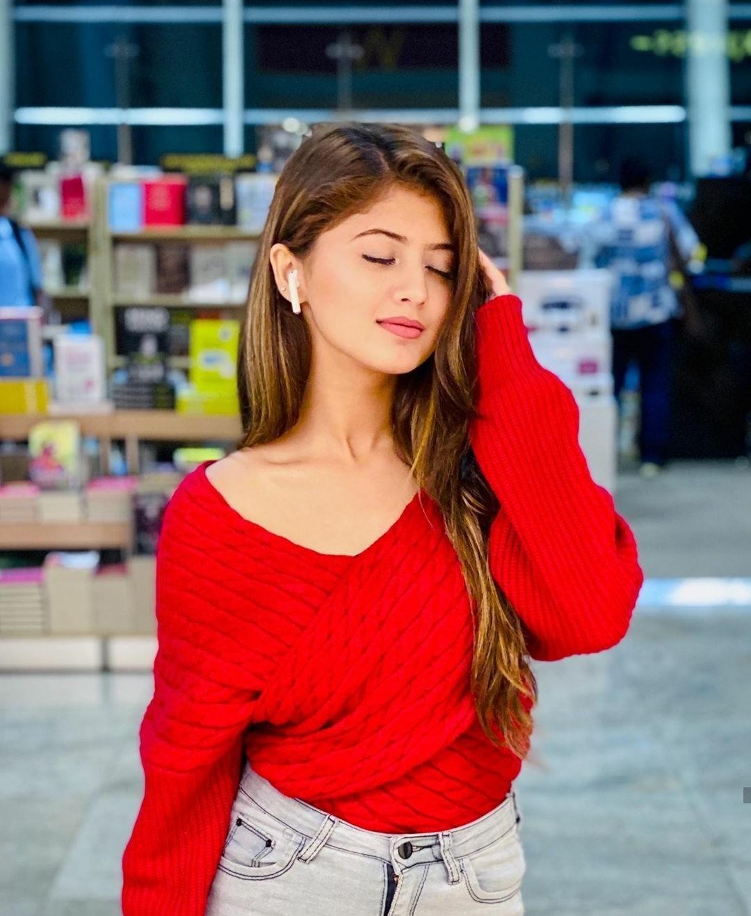 Sara Ali Khan Wiki, Height, Age, Boyfriend, Family