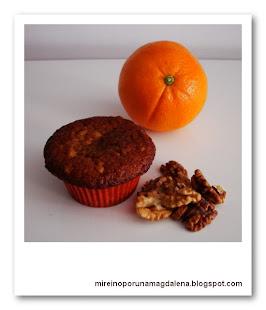 Magdalenas de miel, nueces y naranja