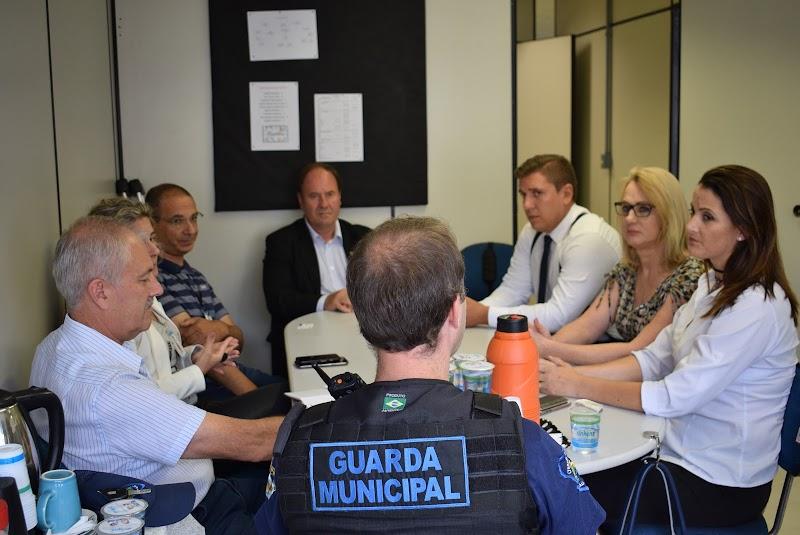 Sindilojas Caxias participa de reunião sobre comércio ilegal