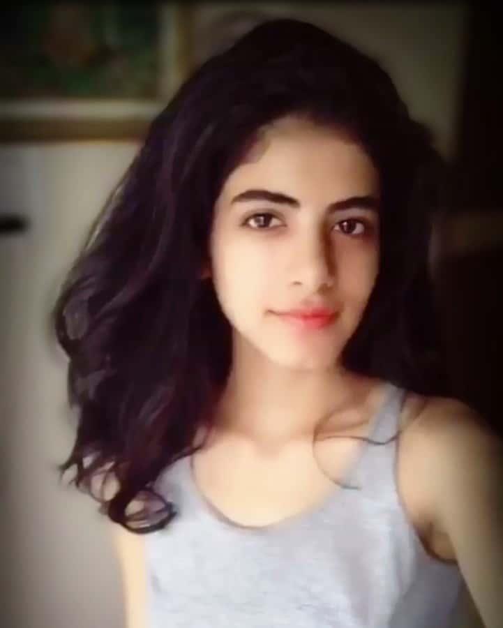 Bhavika Makhija cute pics