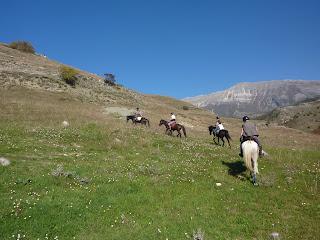 Albania, Horsexplore, Riitta reissaa, Caravan Trails