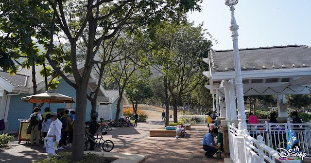 香港迪士尼迪欣湖活動中心餐飲及商品專區, Hong Kong Disneyland Resort Inspiration Lake