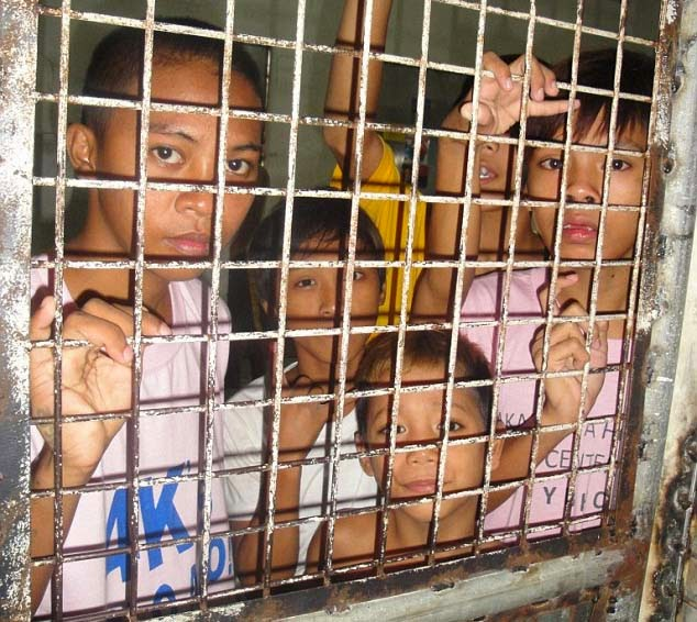DSWD Denies Daily Mail Report Claiming Street Children were CAGED for Papal Visit