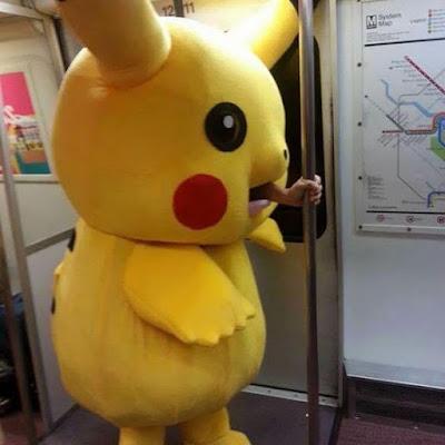 credoo, memes, humor, memes engraçados, ana maria, memes brasileiros, melhor site de memes, site de piada, melhores memes, pokemon, pikachu, pikachu no metro