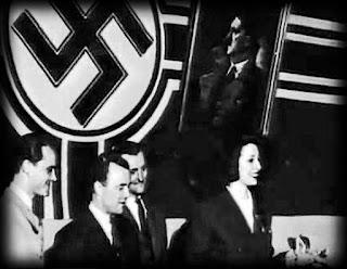 Rosita Serrano participando en un mitin progagandístico nazi.