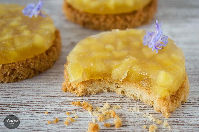 Receta de postre de mini tartas de manzana veganas