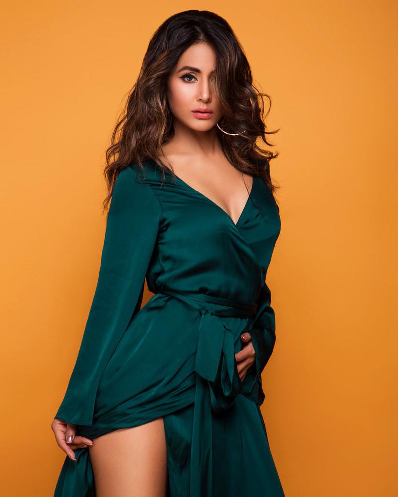 Hina Khan India Moselm and sexy Actress Curly HAir