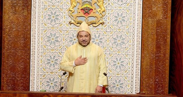 جلالة الملك محمد السادس يخاطب نواب الٱمة من القصر في إفتتاح البرلمان