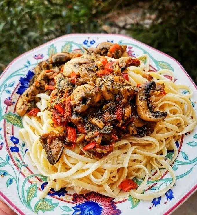 Λαζάνια με σάλτσα μανιταριών και λαχανικά