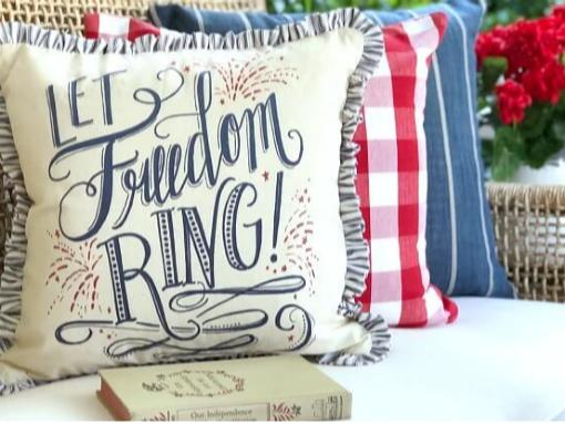 Gorgeous Patriotic Decor and Even More Patriotic Mason Jar Crafts