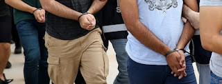 القبض على عصابة سوريين انتحلوا هوية الشرطة للسرقة في إسطنبول (فيديو)