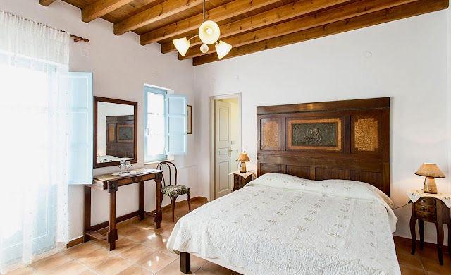 Una camera di Villa Patmos, a Netia