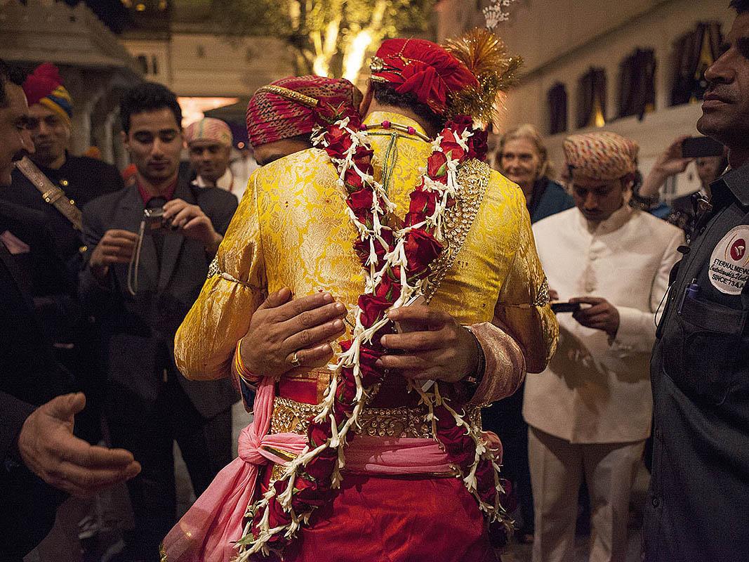 Φωτογράφιση γάμου στην Ινδία βασιλικός γάμος