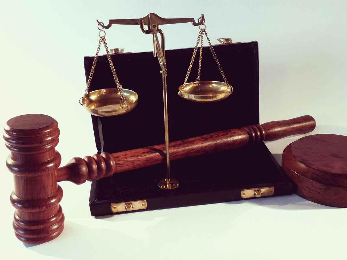 Направление исполнительного документа судом