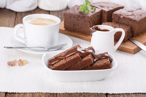 Gyors, kevert kefires-kakaós süti: olyan puha, hogy szétolvad a szádban
