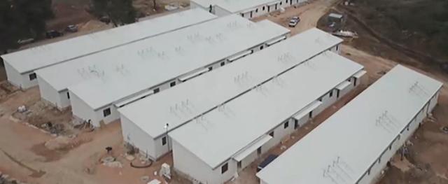 Ένα ολόκληρο αυτόνομο χωριό δημιουργείται στη Ριτσώνα για πρόσφυγες και μετανάστες…