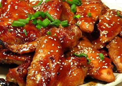 merupakan salah satu bahan makanan yang umum dan sering kita temui 10 Resep masakan olahan Ayam terbaru dan simple